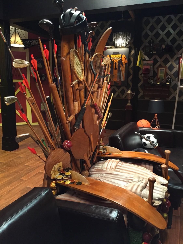 LADBROKES_Throne