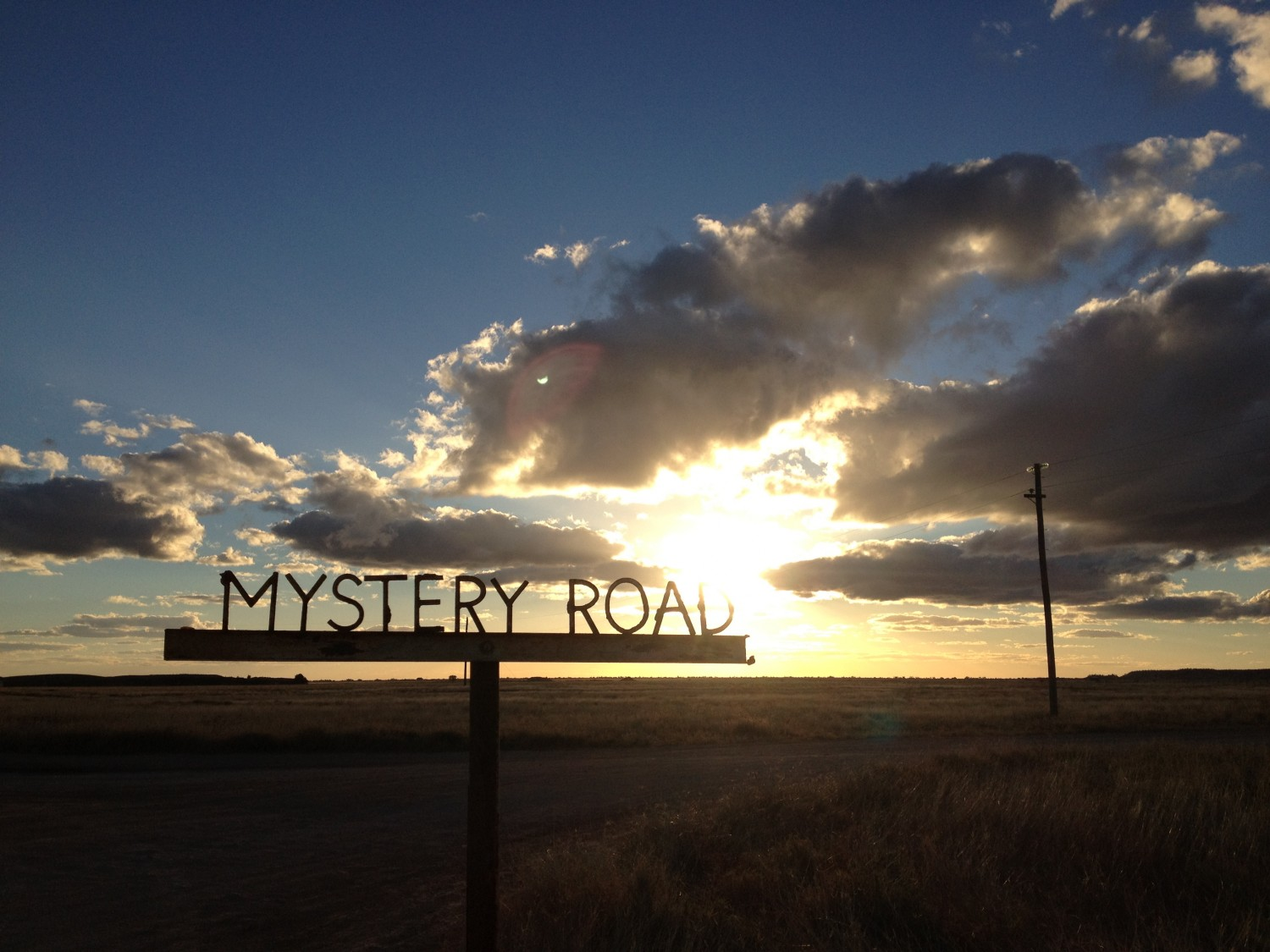 MYSTERYROAD_SignClouds